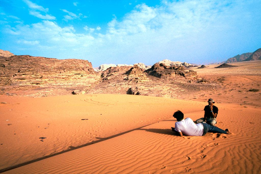 descanso nas areias de wadi rum