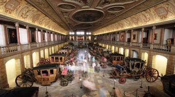 interior museu dos coches em Lisboa