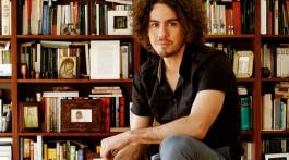 Tiago Salazar e os livros