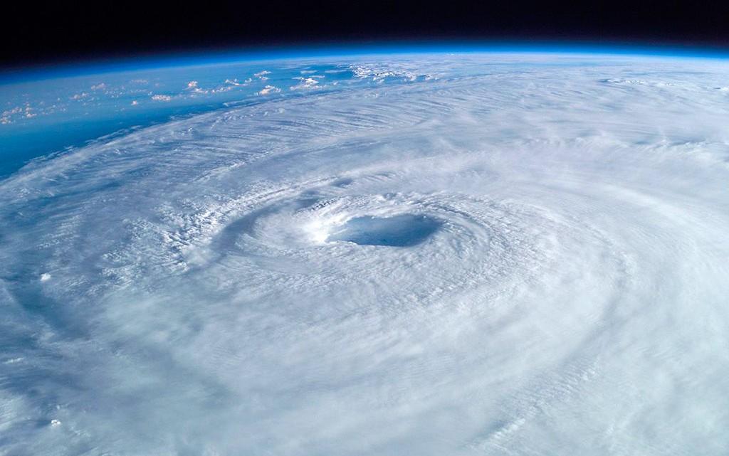 olho do furacão visto do espaço