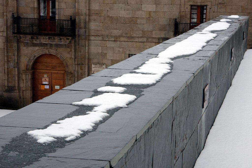 muro do mosteiro de San Martin de Castañeda