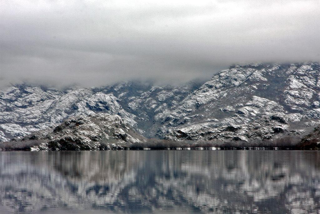 nevoeiro no lago de sanabria