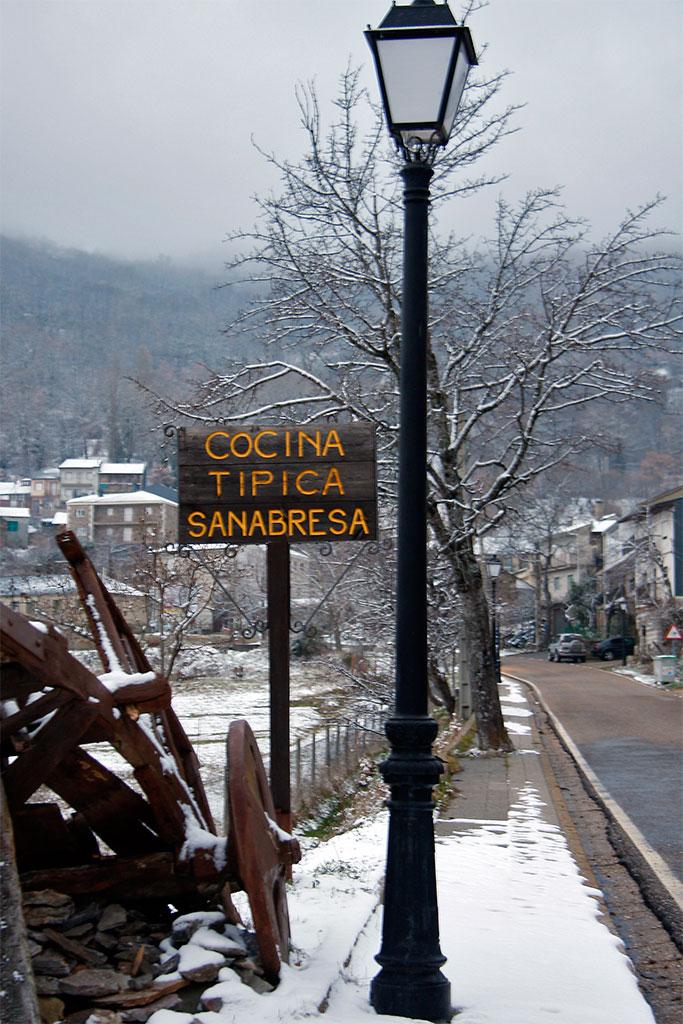 rua em San Martin de Castañeda