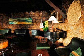 Piano-bar no Muchaxo do Guincho