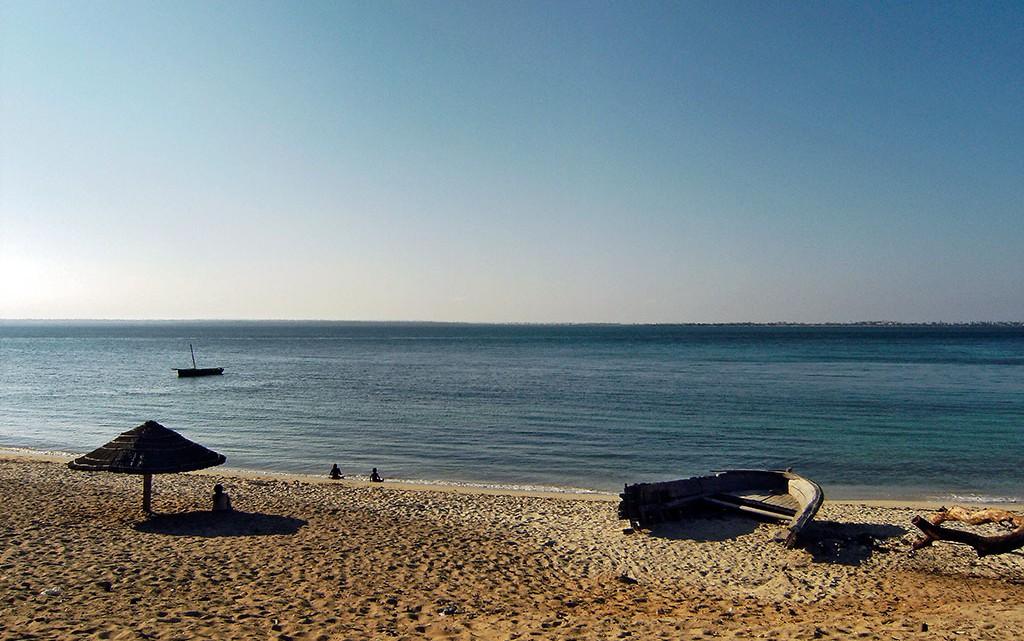 praia no Lago Niassa