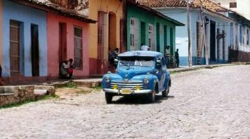 automóvel antigo de cuba