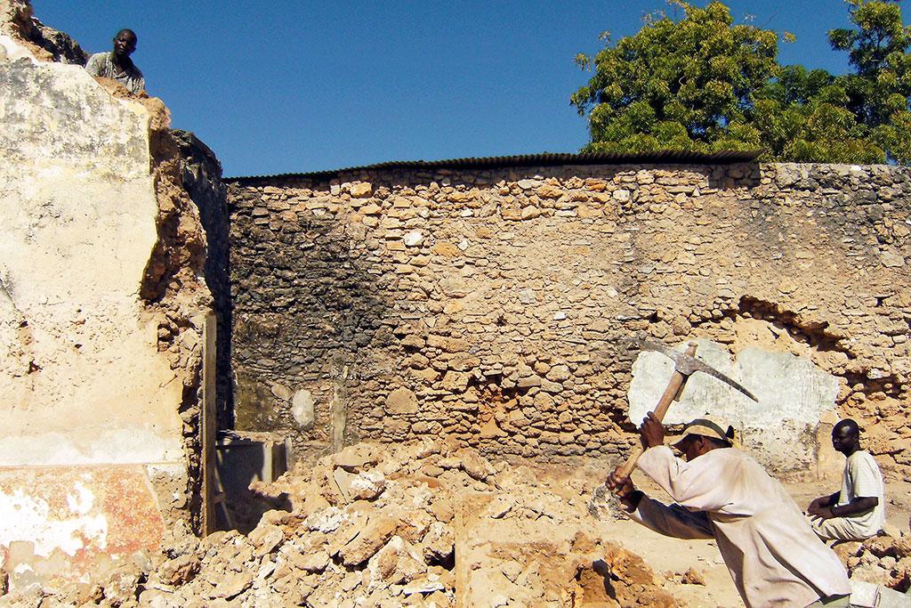 reconstrução de casa na ilha de Moçambique