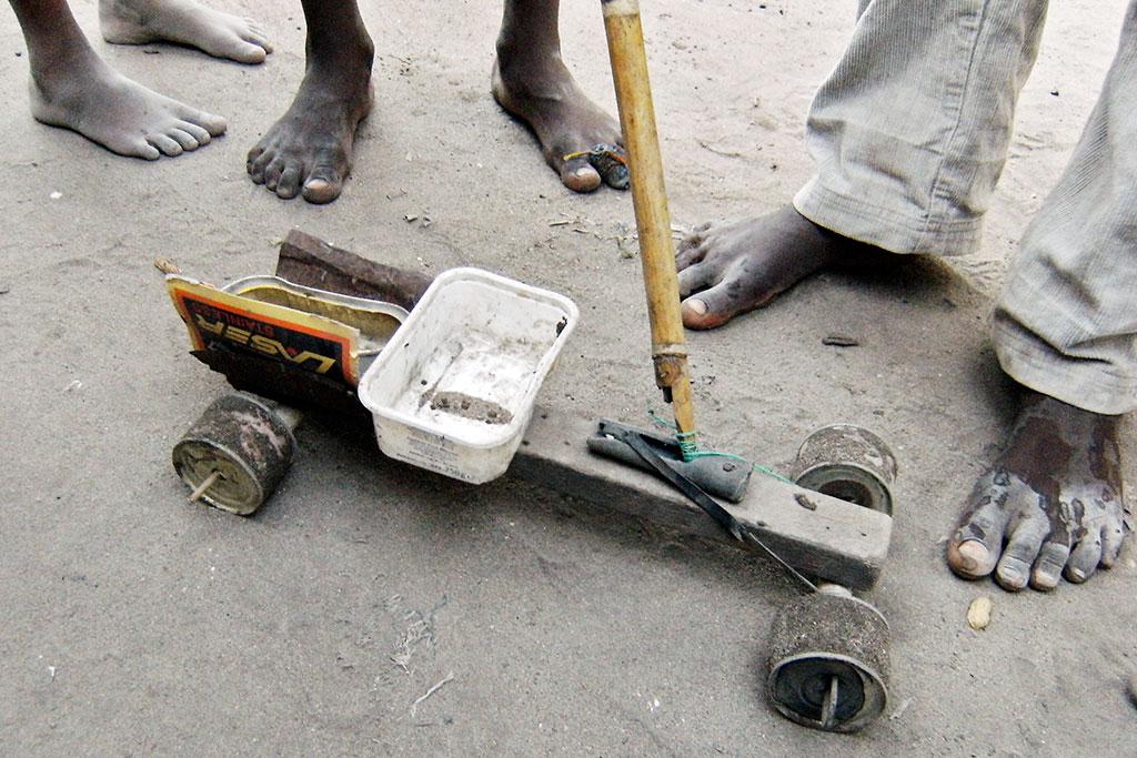 Carrinho reciclado na ilha de mocambique