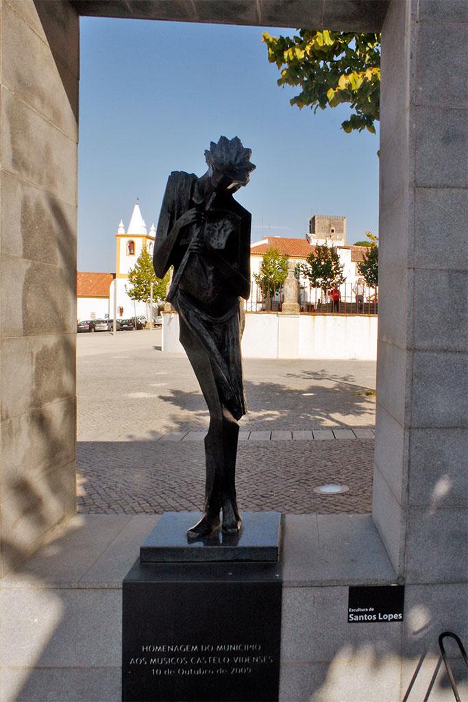 Estátua de homenagem aos músicos Castelo Videnses