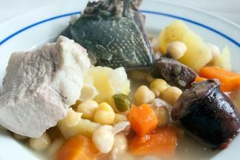 sopa da panela com pombo bravo