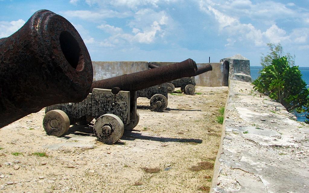 canhões no forte de S. Sebastião