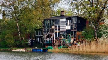 Casa de Christiania junto ao lago