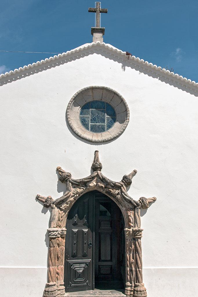 Fachada manuelina da Igreja Matriz de Monchique