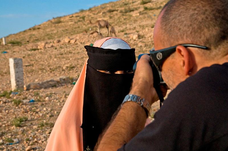 Nuno Lobito fotografa mulher árabe