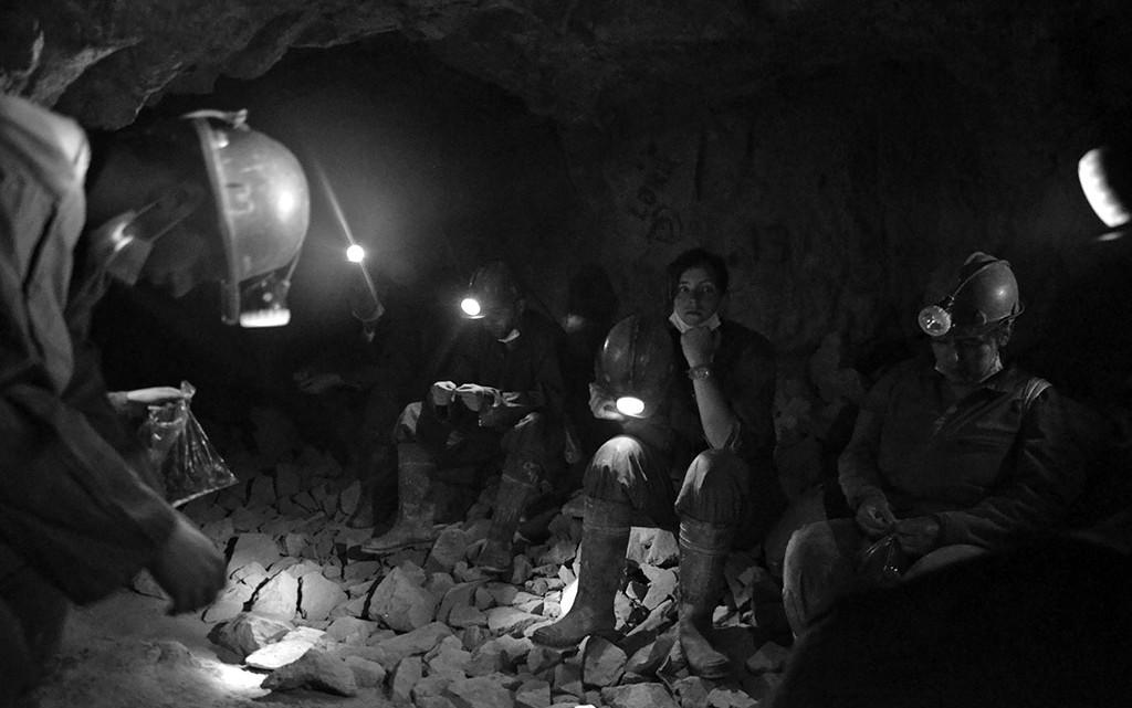 Mineiros nas minas de Potosi