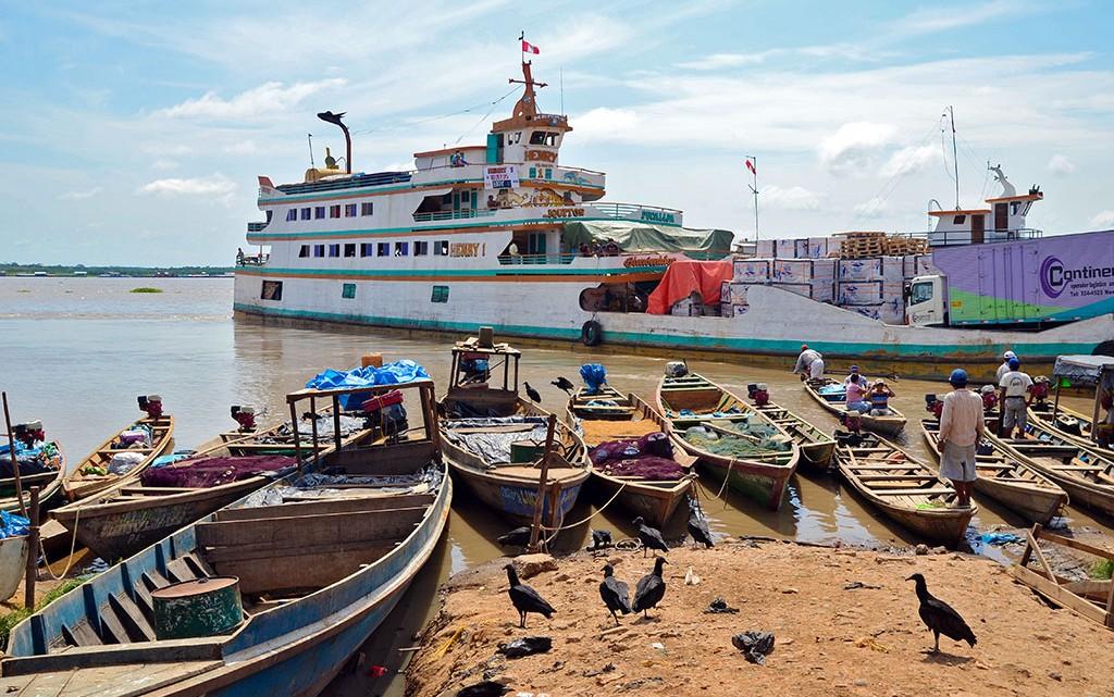Ferry em Pucallpa