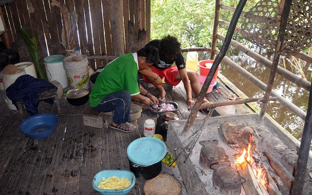 preparação almoço em pueblo chino