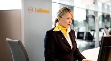 assistênte Lufthansa de check-in