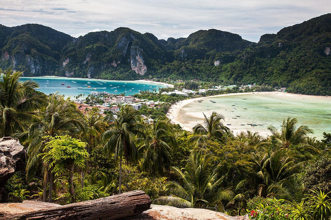 Baías Loh Dalam e Ton Sai nas ilhas Phi Phi
