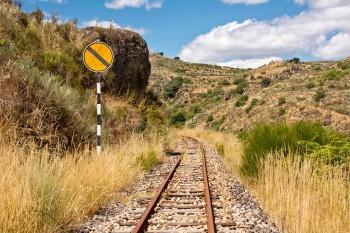 sinalética ferroviária no tua