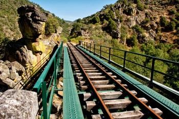 ponte ferroviária metálica