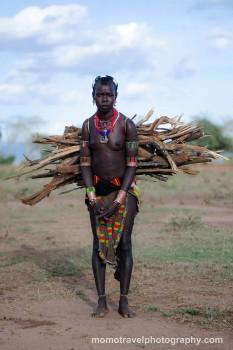 mulher hamer no vale de omo, Etiópia