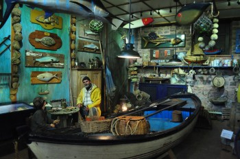 Um diorama no museu: oficina de pescador.