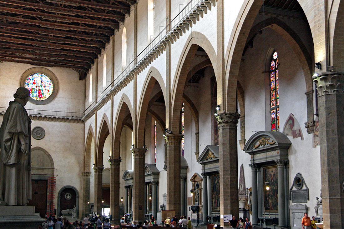Interior da igreja de Sta Cruz en Florença