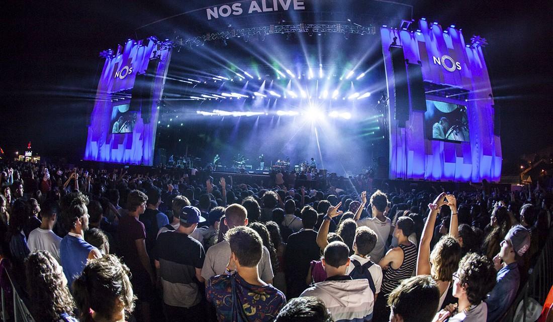 palco do NOS Alive, um dos festivais mais importantes em Portugal