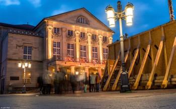 teatro à noite em Weimar