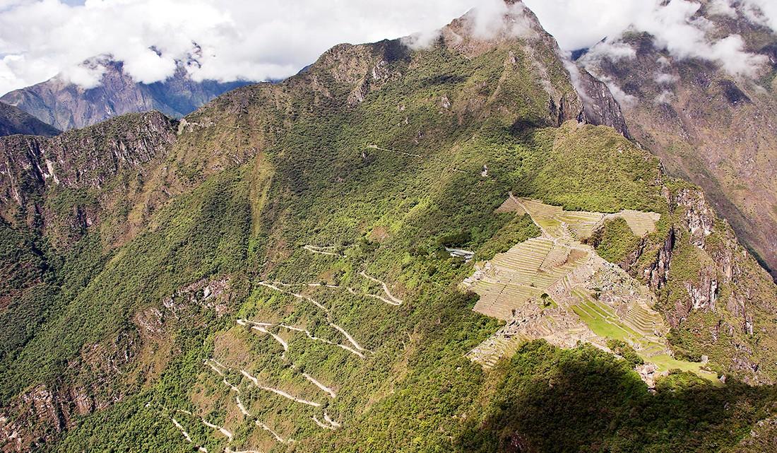 machu picchu visto desde o topo da montanha wayna picchu