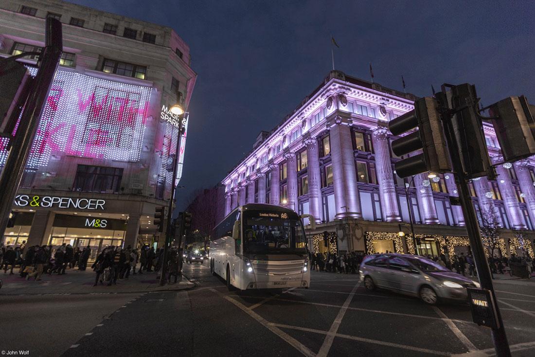 tráfego em Londres ao inicio da noite
