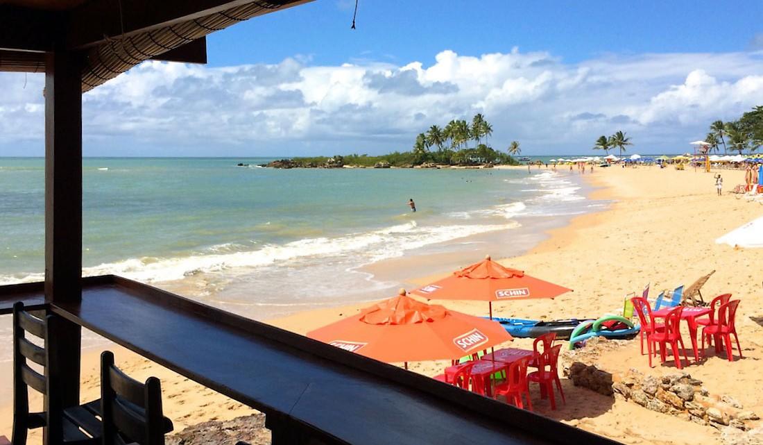 vista de bar para a primeira praia do morro de são paulo