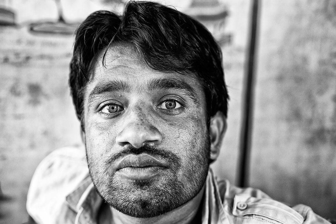 empregado de um restaurante na India