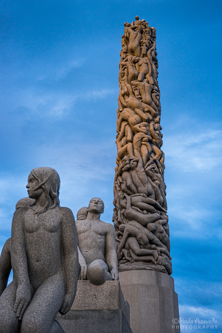 estátuas centrais no parque Vigeland na ciade de Oslo, Noruega