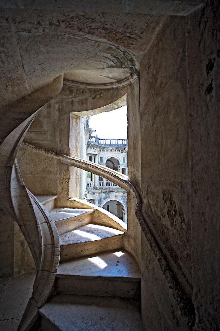 escada em caracol no Convento de Cristo