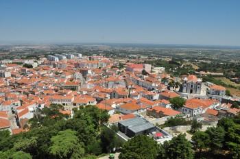 Vista do casario da vila de Palmela desde o castelo.