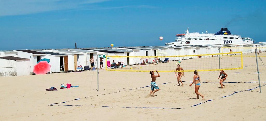 jogo de voleibol nas praias de calais