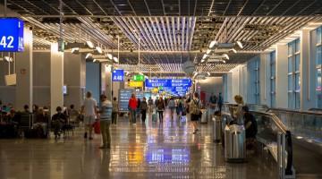 portas de embarque num aeroporto