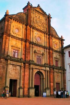 Edifício da Basílica do Bom Jesus em Goa Velha.