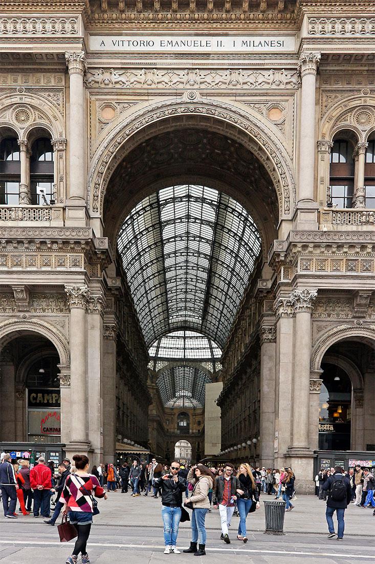 Entrada da Praça Duomo nas galerias Vittorio Emanuele II