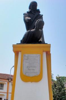 Estátua do Abade Faria em Pangim, Goa.
