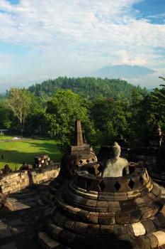 Visão panorâmica do topo de Borobudur
