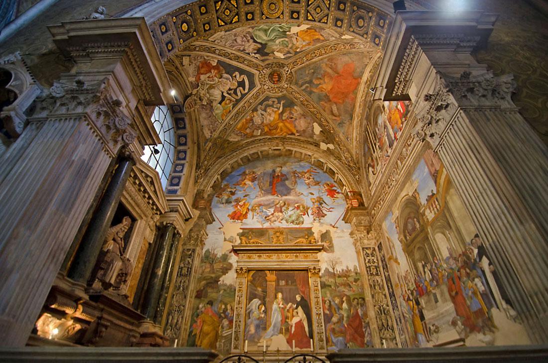 Frescos do altar da igreja de Santa Maria Sopra Minerva em Roma.