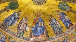 Frescos no tetos na basílica de São Paulo Fora de Muros em Roma.