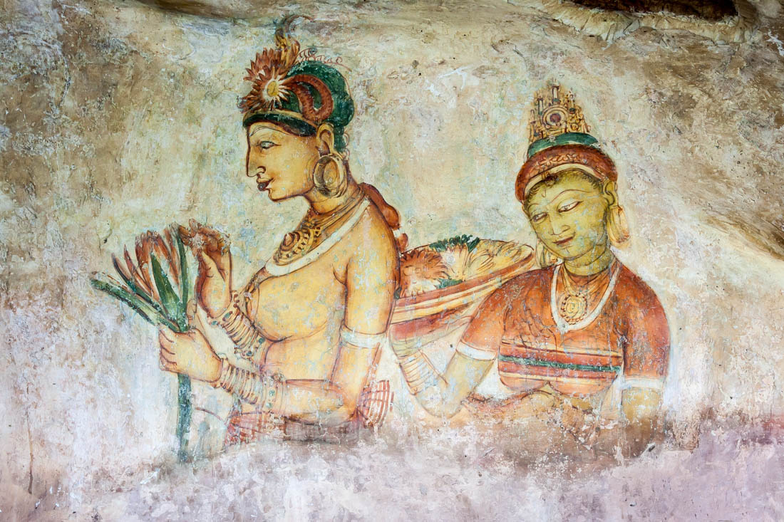 Pintura com duas deusas nas paredes de Sigiriya.