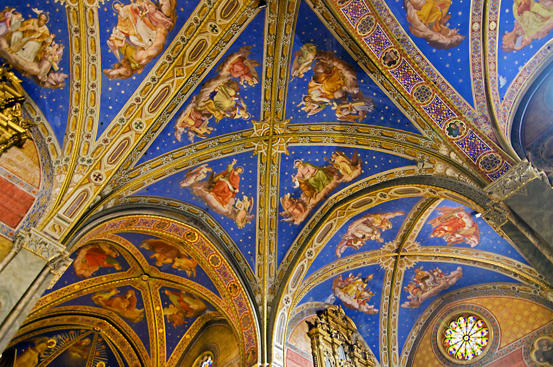 Frescos no tecto da igreja de Santa Maria Sopra Minerva, em Roma.