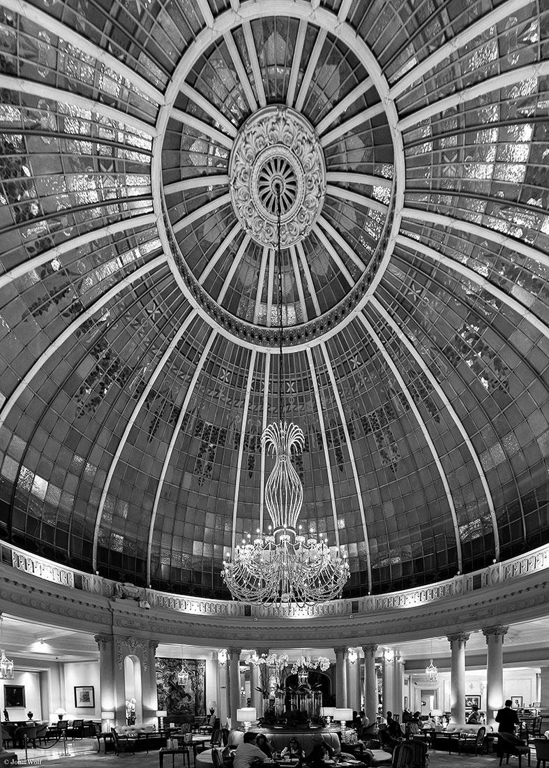 Enorme cúpula no hotel Westin Palace em Madrid.