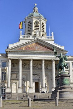 Fachada da Igreja de St. Jacques sur Coudenberg em Bruxelas.