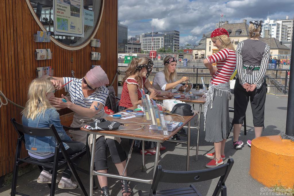 Mulheres pirata no Porto de Oslo, Noruega